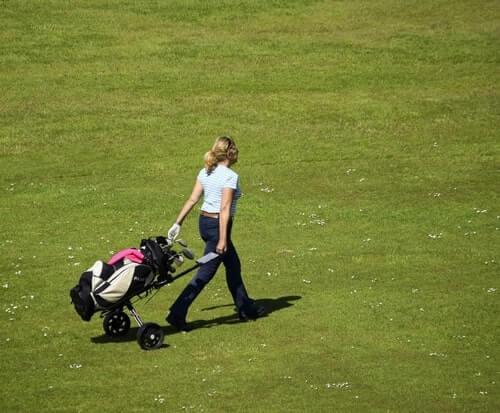 Comment choisir un sac de golf chariot pour femme
